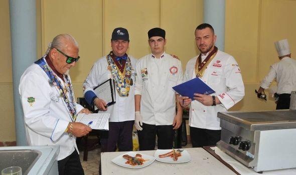 Kulinari opet zablistali: 11 medalja i dva pehara za mladi takmičarski tim