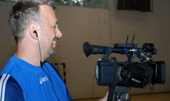 HEROJ IZ MRAKA: Snimatelj iz Kragujevca spasao život mladiću u smrskanom automobilu