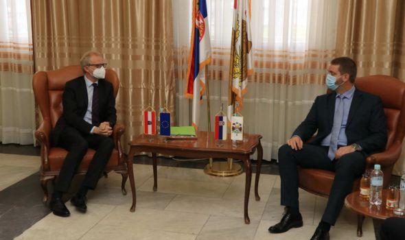 Ambasador Austrije posetio Kragujevac: Evo o čemu je razgovarao sa gradonačelnikom Dašićem