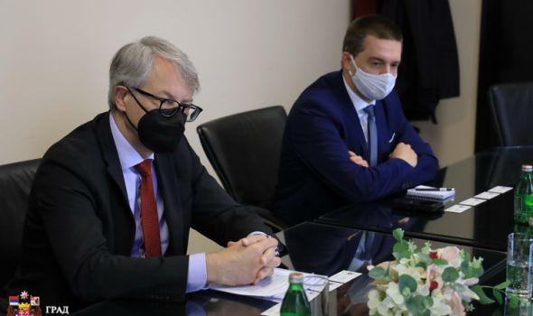 Ambasador finske zainteresovan za poboljšanje kvaliteta vazduha u Kragujevcu