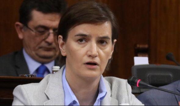 SREĆNA zbog Kragujevca: Premijerka uskoro razgovara o FIATU, izgledi za OSTANAK
