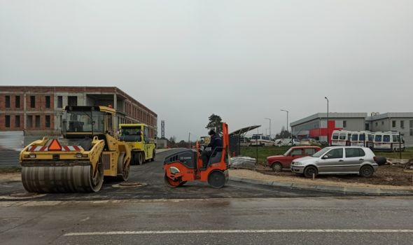 Novi asfalt u ulici Hitne pomoći, poznato koje saobraćajnice će se raditi u decembru (FOTO)
