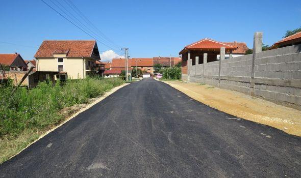 """Stanovo dobilo planirani asfalt, evo u koje naselje """"se seli"""" mehanizacija (FOTO)"""