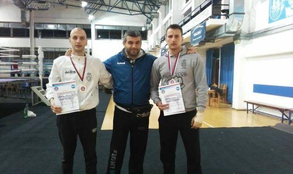 """Kik-bokserima """"Radničkog"""" dve bronze u Vlasotincu"""