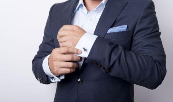 Zašto je dugmad na ženskoj odeći sa leve strane, a na muškoj sa desne?