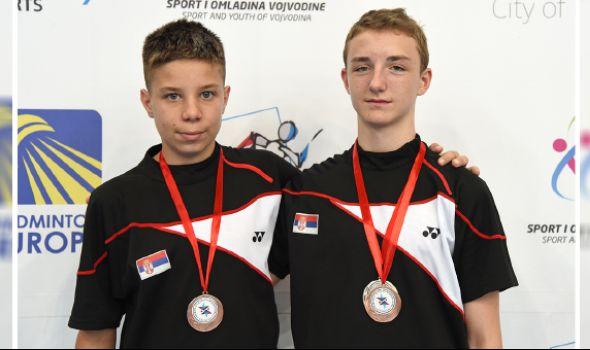 "Badminton klubu ""Ravens KG"" dve medalje u Novom Sadu"