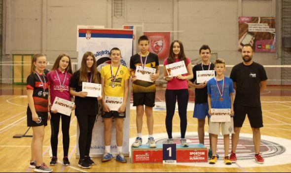 "OŠ ""Radoje Domanović"" najuspešnija na Badminton turniru ""Đurđevdan 2018"" (FOTO)"