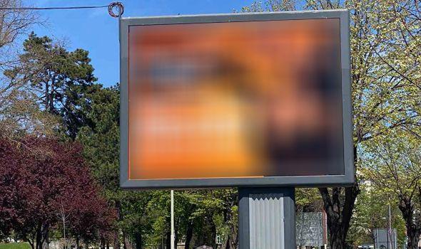 U Kragujevcu osvanuli provokativni bilbordi (FOTO)