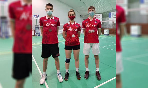 "Članovima Badminton kluba ""Ravens KG"" pet medalja u Beogradu (FOTO)"