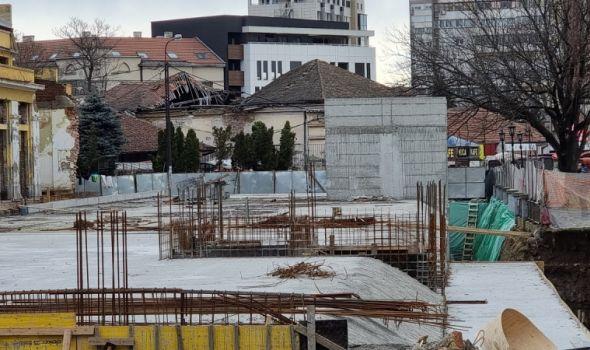 """Šta su zapravo betonski """"bunkeri"""" koji narušavaju izgled Tržnice? Kragujevčani ih smatraju ruglom"""