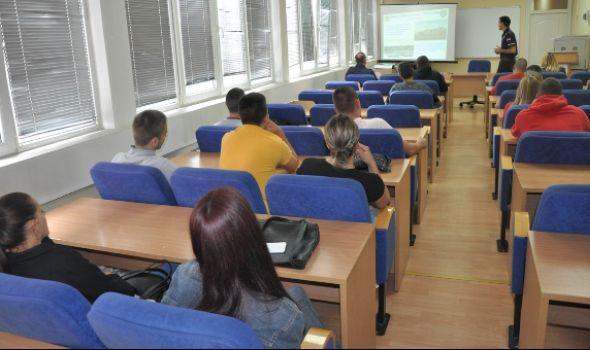 Kragujevačka policija otvorila vrata budućim pripadnicima (FOTO)