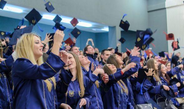 Ekonomski fakultet promovisao 225 diplomaca (FOTO)