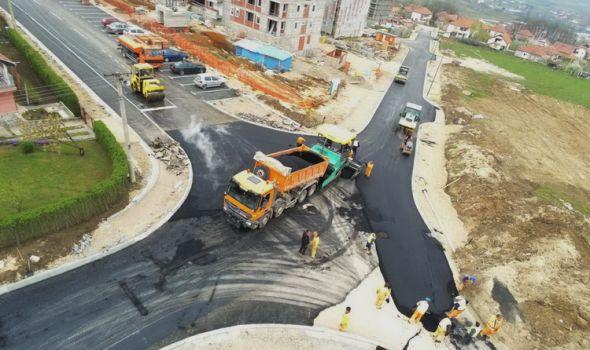 Radovi na saobraćajnoj infrastrukturi u naselju Denino brdo u završnoj fazi (FOTO)