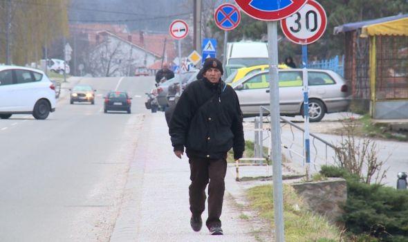 Đorđe Joksimović PEŠAČI do Beograda, jer mu dece još uvek nisu vraćena, očekuje pomoć od Vučića (FOTO)