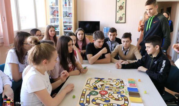 Međunarodni dan energetske efikasnosti: Učenici igrali i crtali za energiju (FOTO)