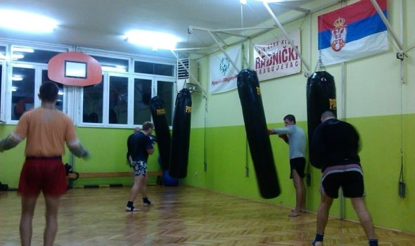 """Kik-bokseri """"Radničkog"""" osvojili dve medalje u Leskovcu"""