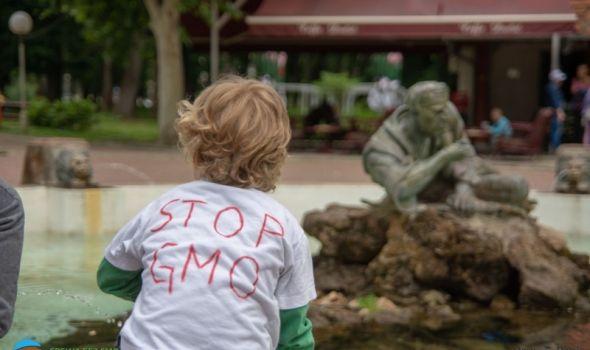 STOP GMO: Marš protiv Monsanta održan i u Kragujevcu (FOTO)