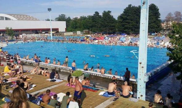 Na gradskim bazenima oko 800 Kragujevčana dnevno, voda BEZBEDNA za kupanje i na Šumaričkom jezeru