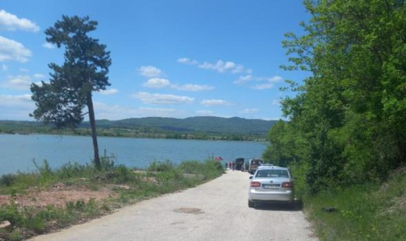 Kraj potrage: Iz Gružanskog jezera izvučeno telo utopljene devojke