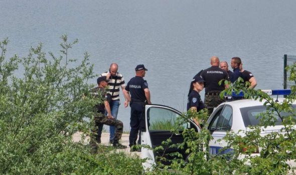 Tragedija na Gružanskom jezeru: Devojka potonula, dve osobe uspele da doplivaju do obale (FOTO)