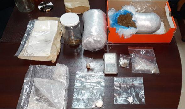 HAPŠENJE: Mladić u stanu krio marihuanu, amfetamin, semenke indijske konoplje i MDMA