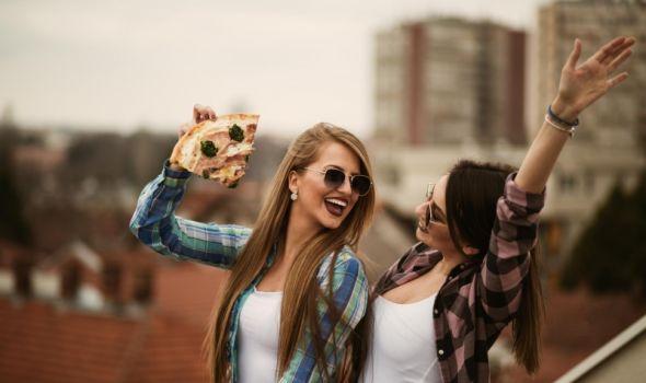 IndexPizza poklanja DVE porodične pice od heljdinog brašna