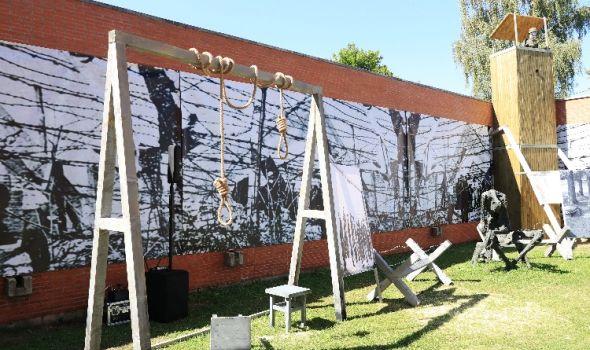 """Izložba """"Jasenovac – pravo na nezaborav"""": Maketa logora i svedočenja preživelih (FOTO)"""
