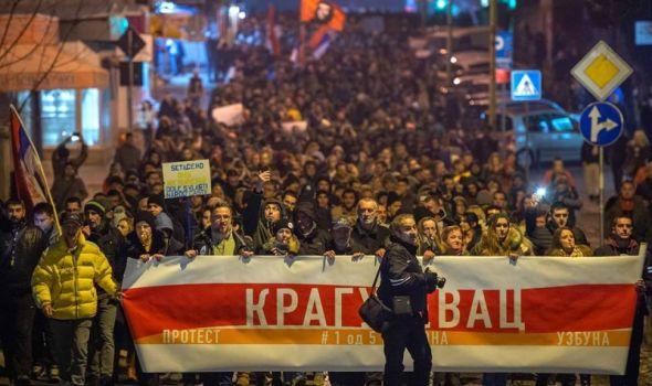 """Održan protest """"1 od 5 miliona"""", odsvirana ODJAVNA ŠPICA za Radio-televiziju Kragujevac"""
