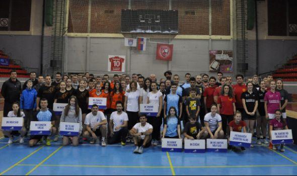 """Ravens KG"" osvojio 11 medalja na ""Trofeju Kragujevca u badmintonu"" (FOTO)"