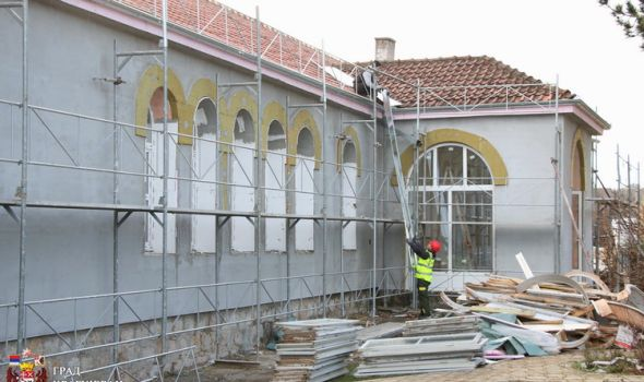 Čumić: Renoviranje škole pokraj najstarijeg školskog objekta u Srbiji - pored ponosa, đacima i bolji uslovi (FOTO)