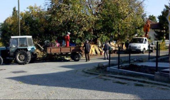 """Delimično očišćena """"komšijska deponija"""" na Pivari, meštani nezadovoljni (FOTO)"""
