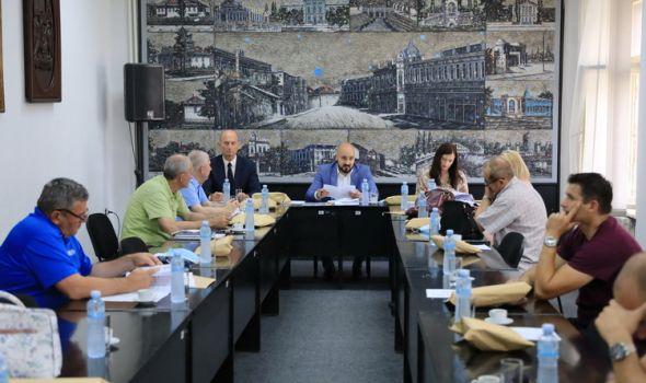 Zakazana sednica SG: Odbornici raspravljaju o rebalansu budžeta, povećanju broja gradskih uprava…