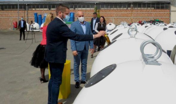 Kragujevac dobio reciklažna zvona za staklenu ambalažu (FOTO)