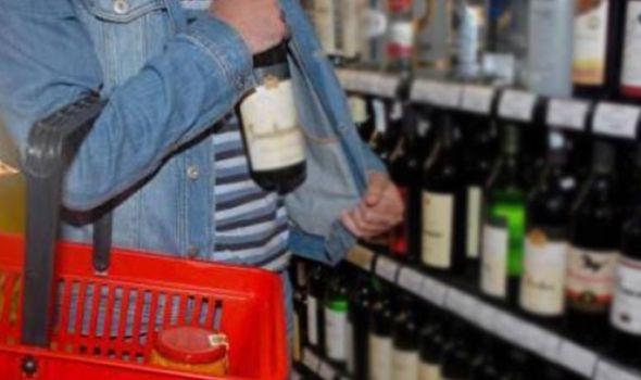 Beograđani krali piće po kragujevačkom tržnom centru