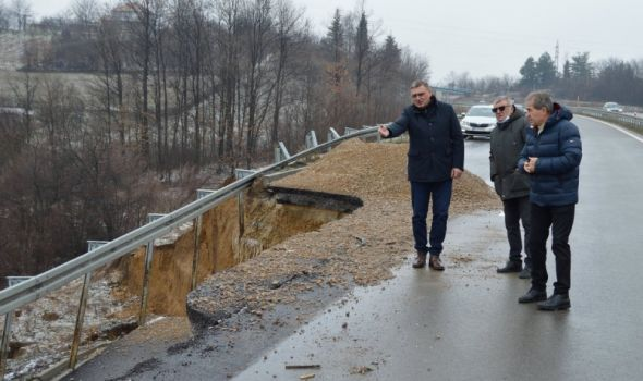 Drobnjak obišao klizište na deonici Kragujevac-Batočina, evo KADA ĆE PROBLEM BITI TRAJNO REŠEN