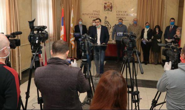 NIKOLIĆEVA OBRAĆANJA NEVIDLJIVA: 33 dana Krizni štab Kragujevca nije stao pred javnost