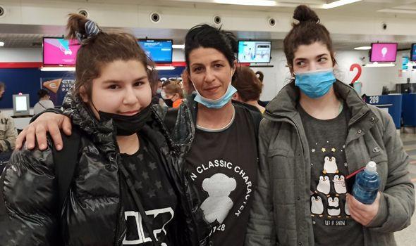 Ponovo smo pobedili na polju humanosti: Sestre Lena i Mia Lazović na lečenju u Moskvi