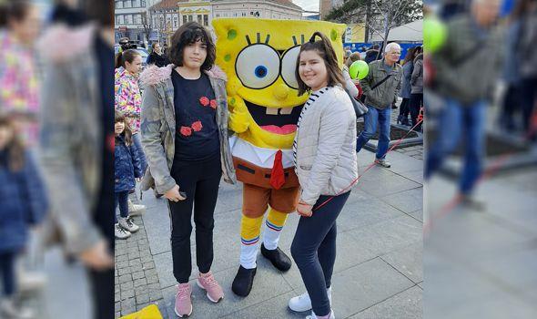 Sestrama Leni i Mii Lazović potrebna pomoć za odlazak na lečenje u Moskvu