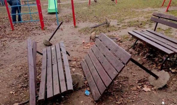 PONOVO VANDALIZAM NA DELU: Lomljenje parkovskog mobilijara nastavljeno i ove sedmice