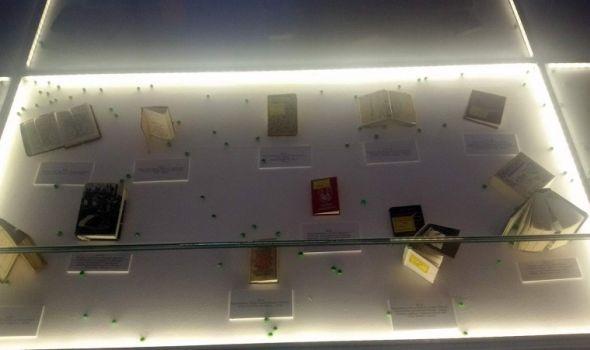 """""""Minijatura na zrnu graška"""": Izložba knjiga od kojih su neke """"velike"""" svega šest milimetara"""