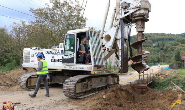 Konačno: Počela izgradnja novog mosta u Trmbasu, evo koji je rok završetka radova (FOTO)