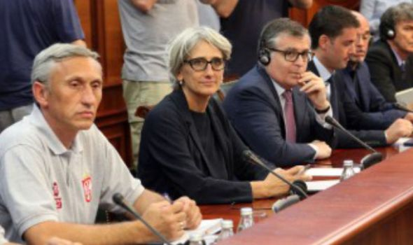 """Nastavljeni pregovori u Vladi o """"Fiatu"""""""