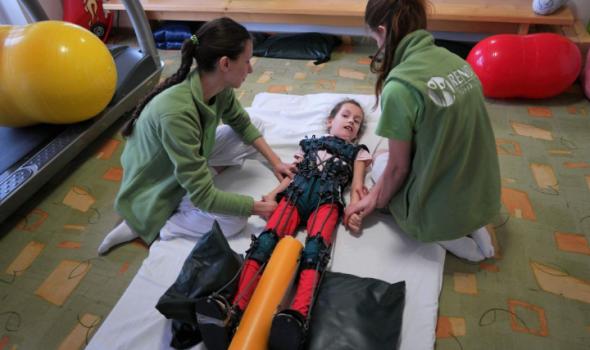 Budi human: Mala Neda čeka novu transplantaciju u Beču, porodica prikuplja neophodna sredstva
