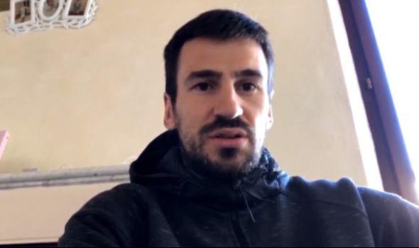 Kragujevački fudbaler Nenad Tomović donirao dva aspiratora i monitor Kliničkom centru
