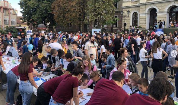 NOĆ ISTRAŽIVAČA: Najveću naučnu avanturu u Evropi posetilo 9.000 Kragujevčana (FOTO)