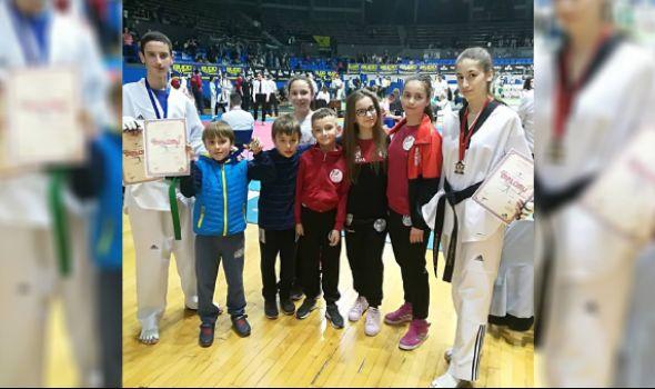 """Tekvondo akademiji Kragujevac tri medalje na """"Omega kupu"""" u Beogradu (FOTO)"""