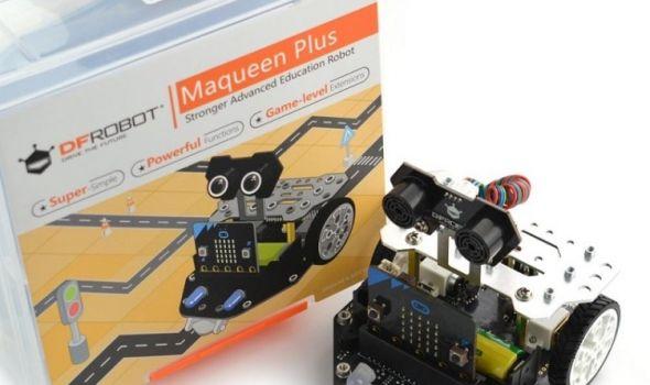 Mini roboti za učenje osnova programiranja u biblioteci (FOTO)