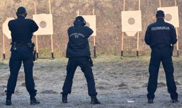 Samo domaće: Usavršeni pištolji i puške Zastava oružja pedstavljeni državnom vrhu i policiji (FOTO)