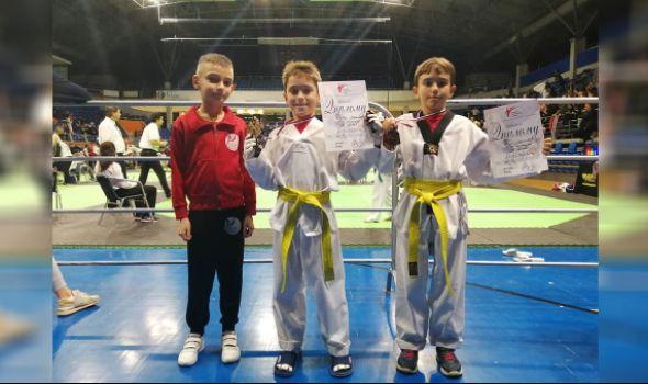 Mladim kragujevačkim tekvondistima dve medalje u Vršcu