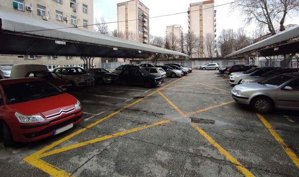 Zloupotrebljavaju li kragujevački funkcioneri službena vozila? U vlasništu grada 34 automobila